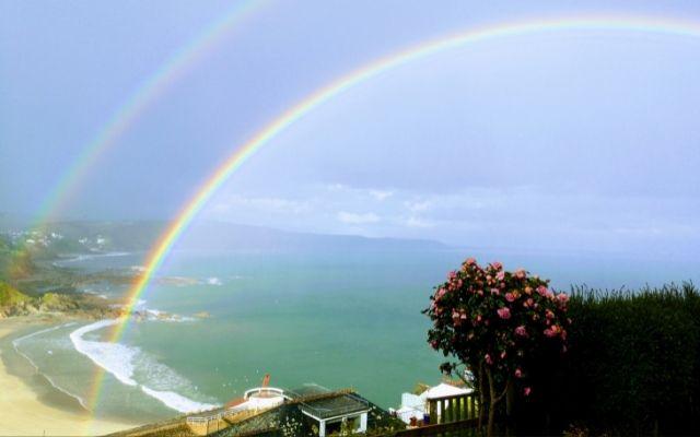 絶対彼から連絡がくるのは虹の待ち受け